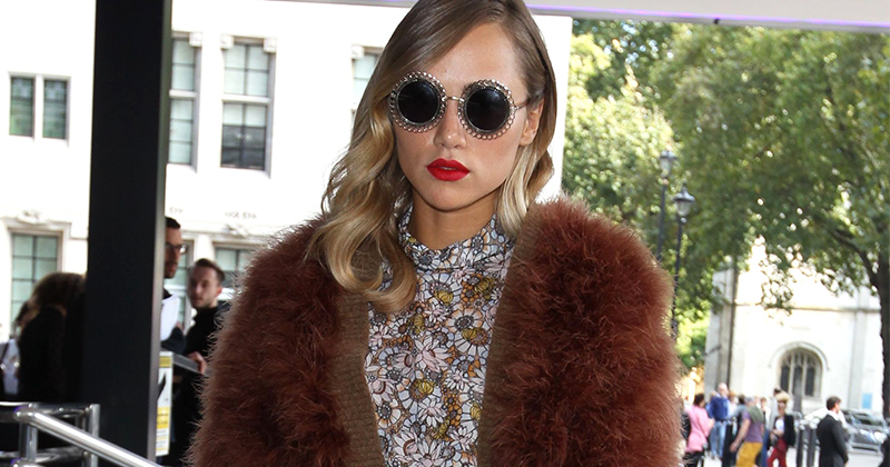 Suki Waterhouse på London Fashion Week