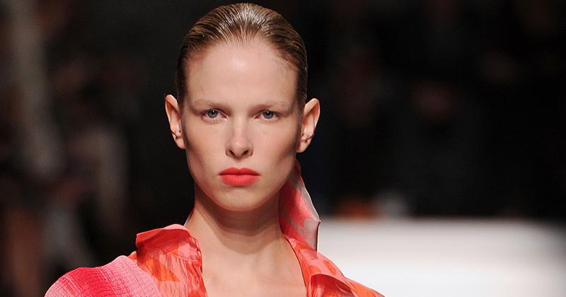 Orange-rött-läppstift