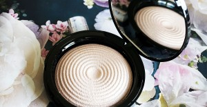 Highlighter Makeup Revolution