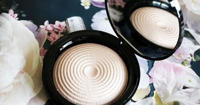 Highlighter Makeup Revolution