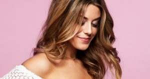 Hårstylisten tipsar: så får du Biancas sommarfrisyr